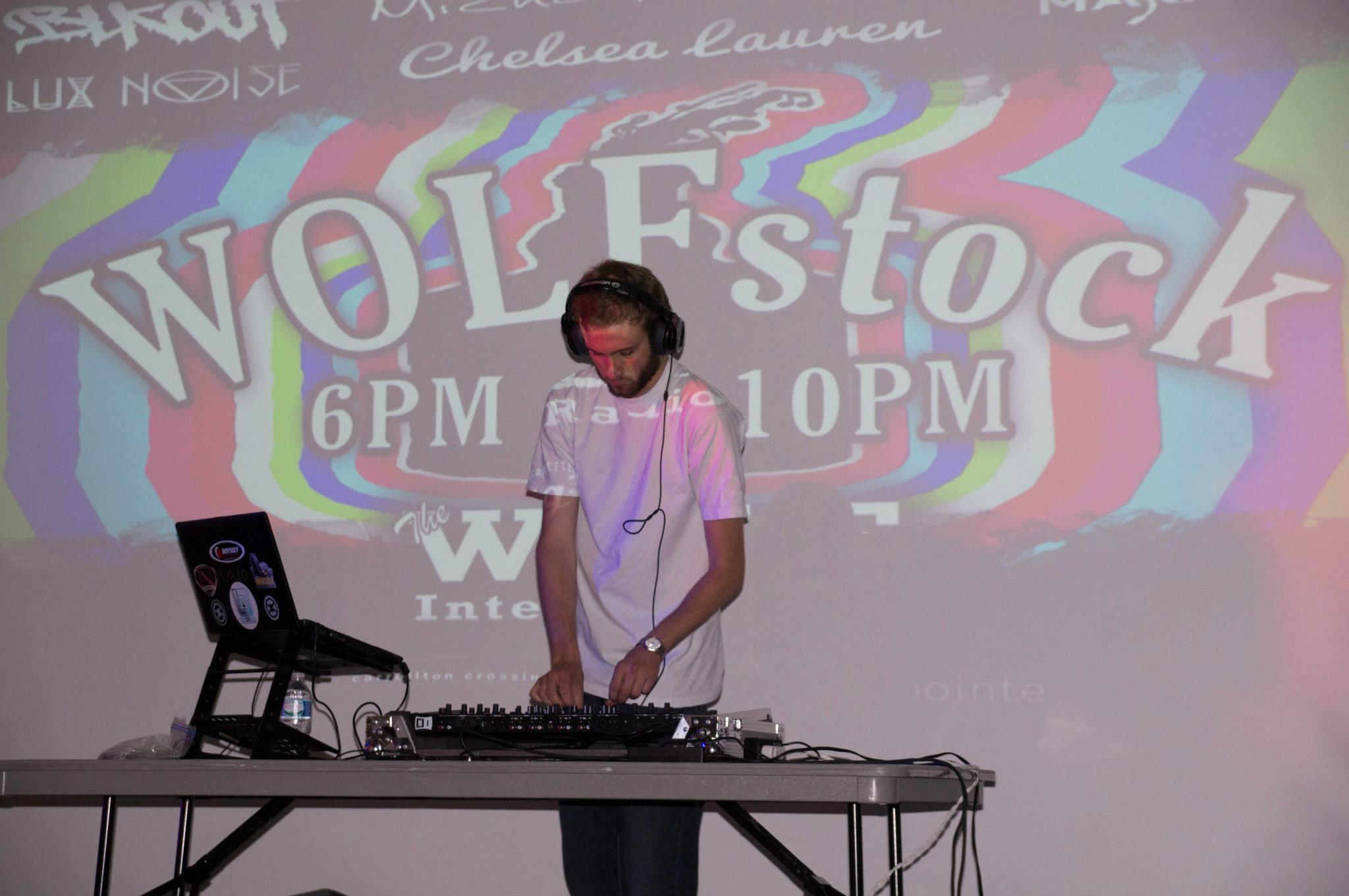 WOLFStock 02